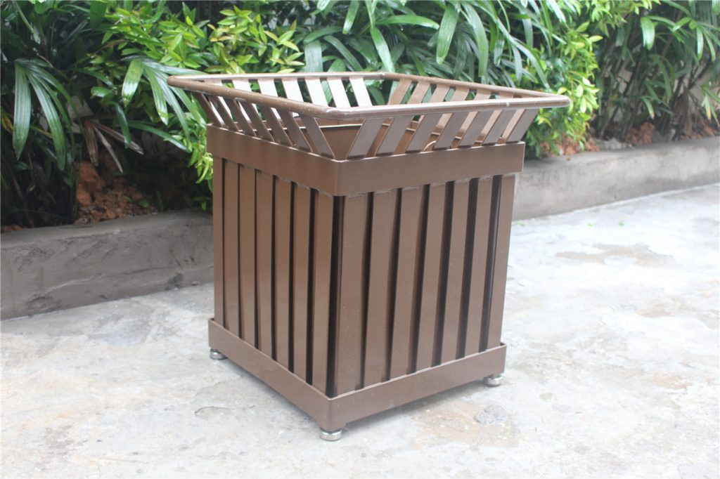 Commercial Outdoor Planter P-001 Image 2