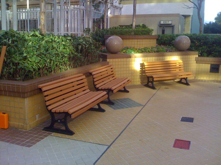 Sunperk's Recycled Plastic Bench In A Community Garden
